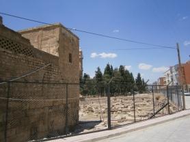 Nusaybin: vista exterior de la Catedral de Mor Yacoub (San Jacobo), que data del S. III. Foto propia.