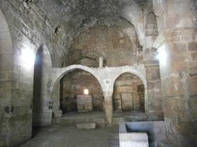 Nusaybin: Interior de lo que queda de la catedral Mor Yacoub. Foto propia.